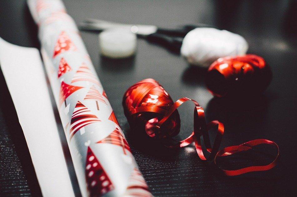Novogodišnji ukrasi od papira – povoljno, a magično