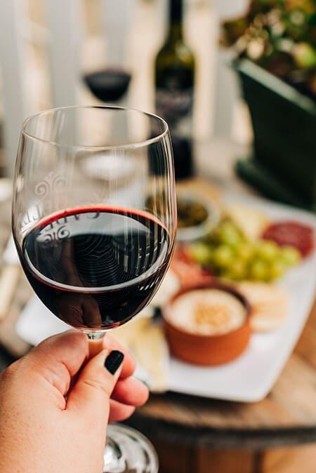 Kackavalj i vino