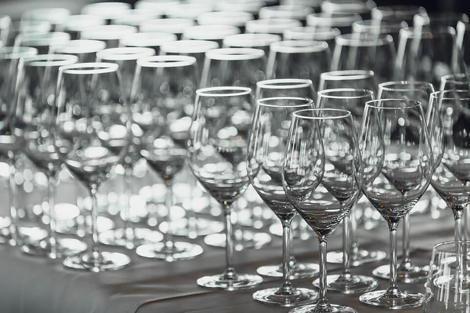 03 Gde kupiti case za belo vino